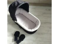 Mammas and papas carrycot and adapters to fit zoom pushchair