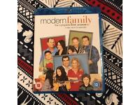 Modern Family Complete Season 1 Blu Ray