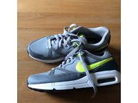 Nike Air Trainers - Size 7 - As new