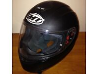 MT THUNDER MOTORCYCLE HELMET (£15)