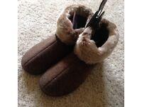 Ladies Isotoner slippers