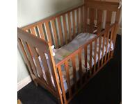 Cot & baby change station