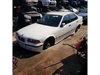 Breaking bmw e36 318i alpine white engine bumper door mirror