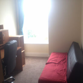 Single room near the train station - all bills inclused