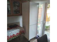 liebherr fridge freezer 60x60x185cm