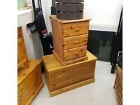 Solid wood bedside cabinet 3 drawers