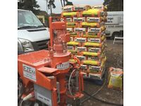 Spray render machine hire 2x man and machine