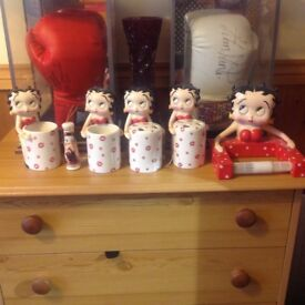 Betty Boop 2 toothbrush 2 drink cups toilet roll holder light pully