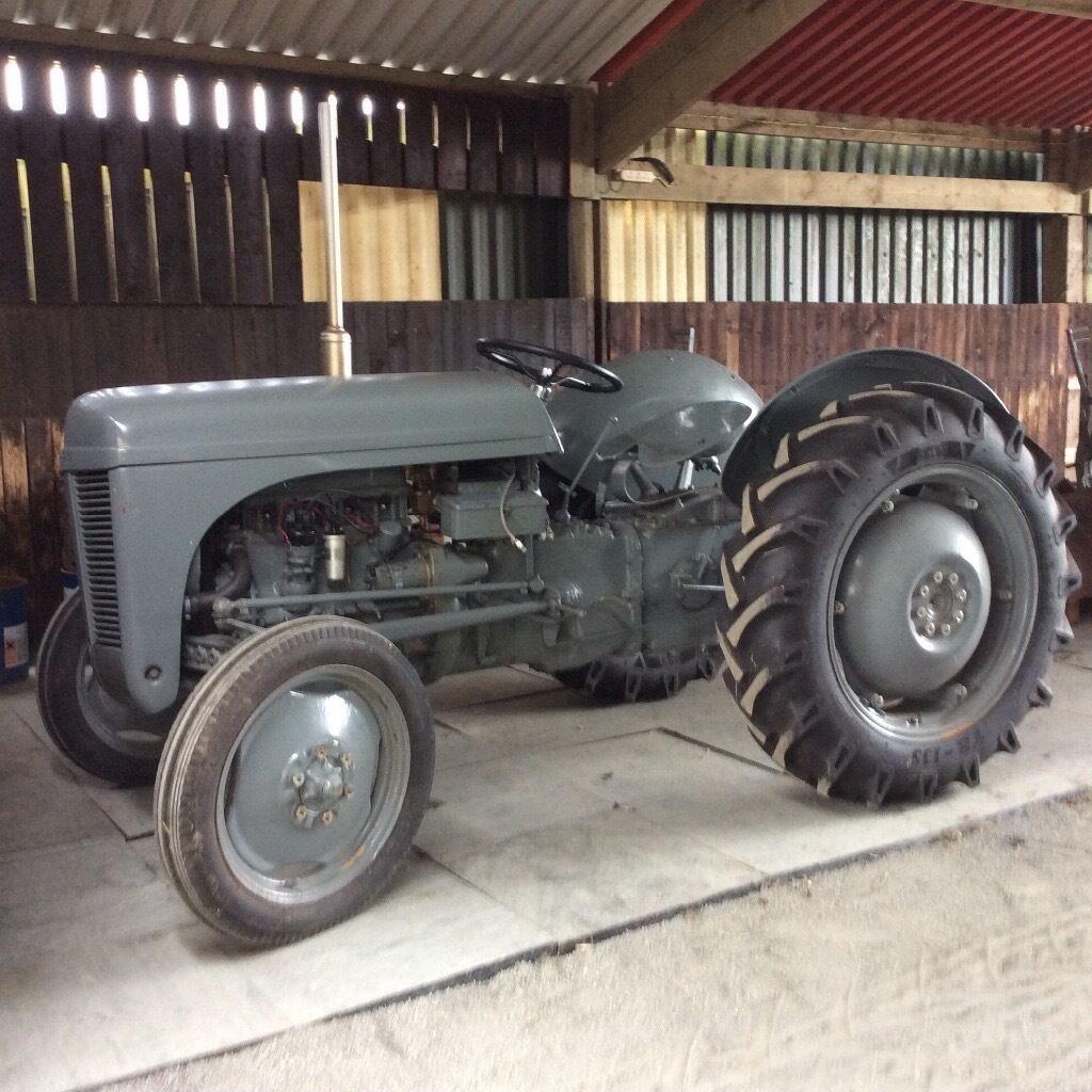 T20 Ferguson Tractor : Grey ferguson tvo t tractor with cutter bar