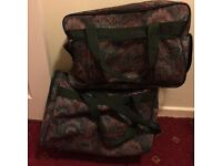 Set of two matching holdalls