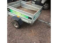 Camel tipping trailer