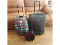 Assorted luggage/suitcases