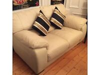 EXCELLENT CONDITION 2 PIECE CREAM LEATHER SUITE/SOFA