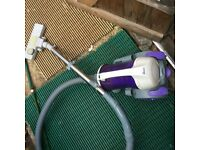 vaccum cleaqner good as new