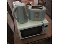 Microwave, toaster, kettle set