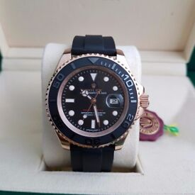 Rolex Yacht-Master rubber blackstrap, Rosegold watch with black bezel and black face, Rolex Boxed