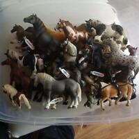 ***HUGE LOT OF SCHLEICH ANIMALS AND MORE!!***