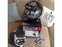 Crash helmet for sale brand new never been used unwanted size medium (hat size 7)