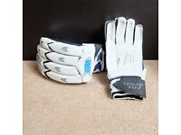 Cricket Gloves hardly used