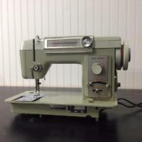 MACHINES À COUDRE usagées VINTAGE RETRO ANTIQUE Sewing Machines / Wide Assortement - SINGER WHITE JUKI