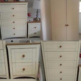 Beautiful 4 piece bedroom furniture