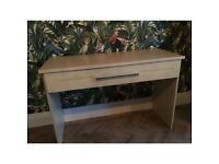 dresser / desk