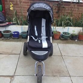 CARISMA AND GRACO PUSHCHAIR