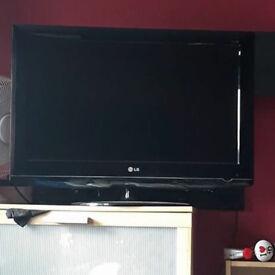 "32"" LG full HD tv please read description"