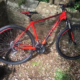 2017 cube slm black and red 21/29''