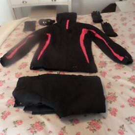 LADIES SIZE 10 SKI SUIT, GLOVES AND GOGGLES