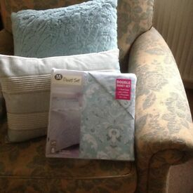 NEW BED SET DUCK EGG BLUE / WHITE, DOUBLE, EASYCARE COTTON, BARGIN