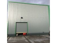 2600 SQFT UNIT AVAILABLE FROM MID AUGUST- HILLINGTON PARK- INDUSTRIAL UNIT WITH HIGH ROLLER SHUTTER