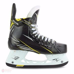 Senior SR 7 D Shoes Size 8.5  75 % OFF NEW in BOX CCM Tacks A 20 Hockey Skates, Carbon Twill composite Attack Frame.