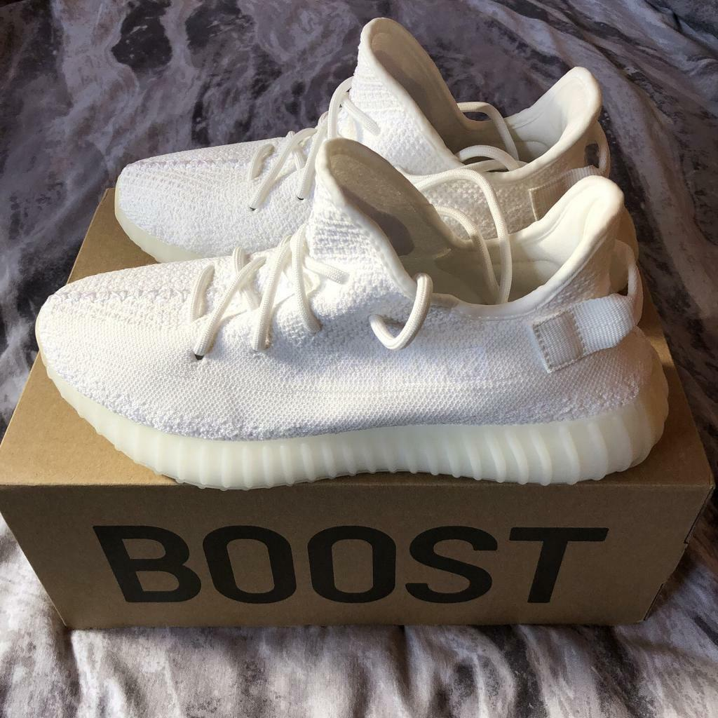 5a3ce8a298e7d Adidas Yeezy Boost 350 v2 triple white size UK 8 - New!