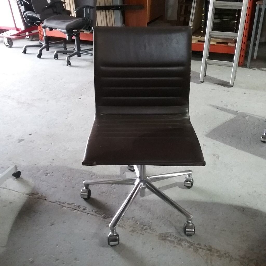 ICF Spa   20060 Vignate Charles Eames Style Operator Chair