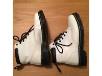Dr. Martens 939 6 eye white boots
