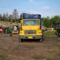2000 Freightliner Recycling Truck