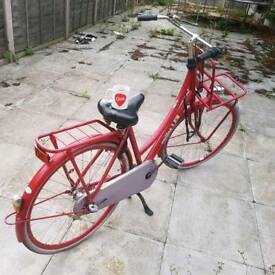 Bicycle CORTINA U4 red (Adult. Dutch Style)