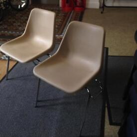 136 Beige stackable stacking chairs excellent condition.