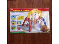 Activity play arch