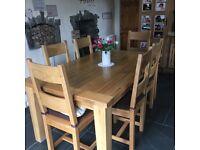 Soild oak kitchen table and 6 chairs
