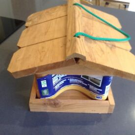 Gardman hanging bird table. Brand new