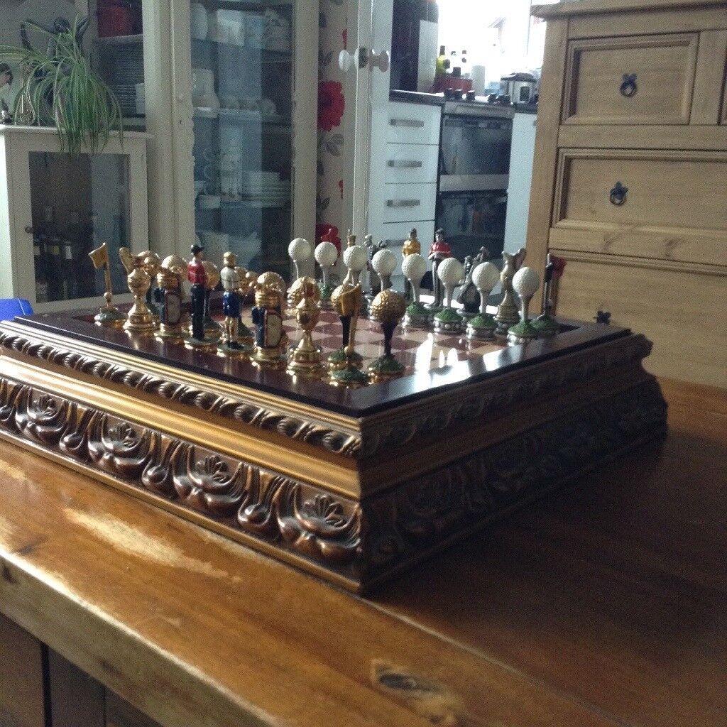 Golfing chess set