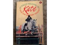 KATE and the mystery pony. Book