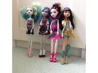 4 Monsters high dolls