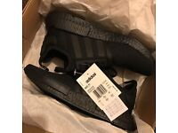 Adidas nmd r1 triple black sold out