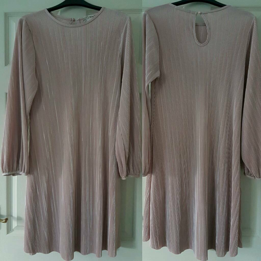 Womans pale pink dress for sale.