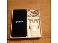 Nexus 5X 16gb White + EXTRAS