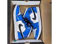 Jordan 1 mid signal blue size 9