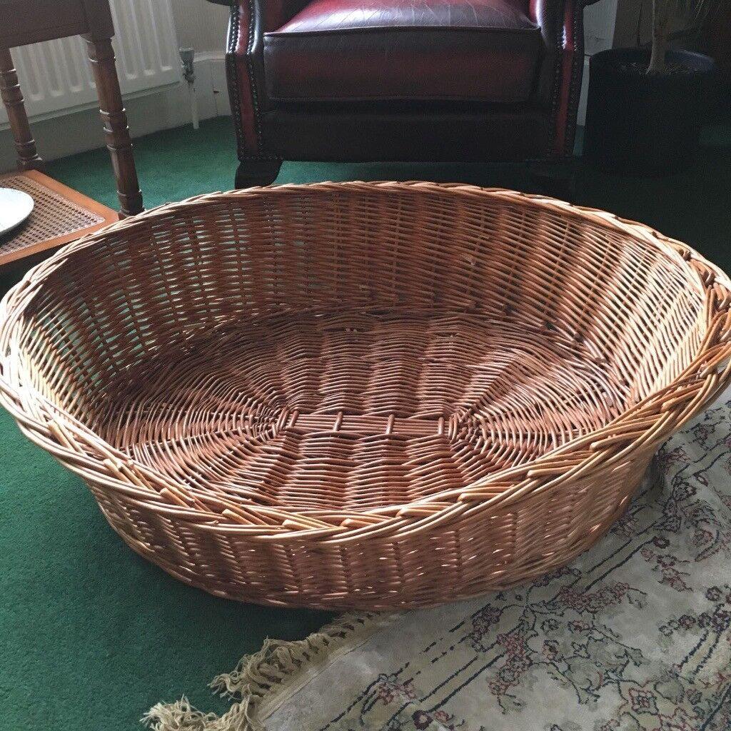 Large Dog/Pet Basket - Perfect condition